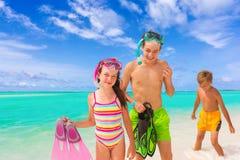 Niños en la playa tropical Imagen de archivo libre de regalías