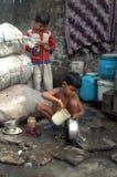 Niños en los tugurios indios Fotos de archivo libres de regalías