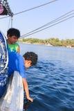 Niños en Nile River fotografía de archivo libre de regalías