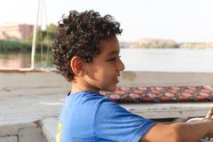 Niños en Nile River imagen de archivo