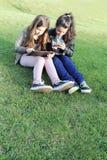 Niños en redes sociales Imagen de archivo