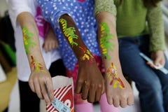 Niños en un carnaval fotografía de archivo
