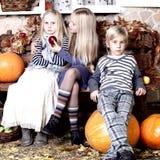 Niños - expectativa de un día de fiesta Foto de archivo