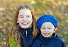 Niños felices de la forma de vida Fotos de archivo