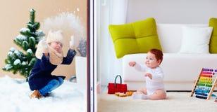 Niños felices, interior y al aire libre, jugando a través de las puertas deslizantes de cristal Fotos de archivo