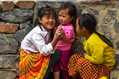Niños felices Lung Cam Vietnam de Hmong fotos de archivo libres de regalías