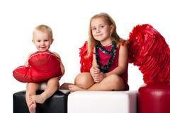 Niños hermosos que representan días de fiesta Imagen de archivo libre de regalías