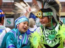 Niños indios en el flotador del desfile Fotografía de archivo