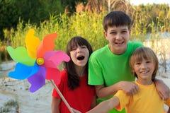 Niños jovenes felices Imagen de archivo