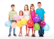 Niños lindos que celebran cumpleaños Fotografía de archivo