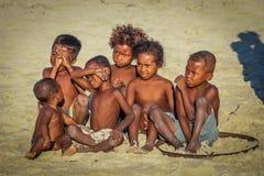 Niños malgaches en la playa Imagen de archivo
