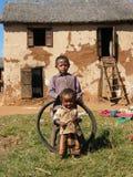 Niños nativos malgaches foto de archivo