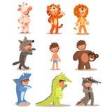 Niños pequeños que llevan los trajes animales Sistema del vector ilustración del vector