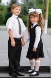 Niños preescolares un muchacho y una muchacha imagen de archivo libre de regalías