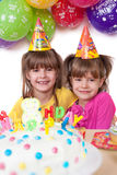 Niños que celebran la fiesta de cumpleaños Imágenes de archivo libres de regalías