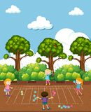 Niños que hacen matemáticas en el patio ilustración del vector