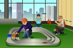Niños que juegan a Toy Cars Racing ilustración del vector