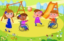 Niños que juegan a voleibol con los niños en la silla de ruedas Imágenes de archivo libres de regalías