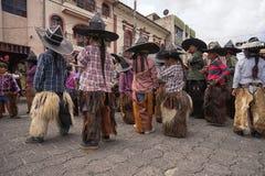 Niños que llevan los sombreros y las grietas en Ecuador Fotos de archivo