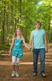 Niños que recorren junto Foto de archivo libre de regalías