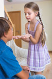 Niños que tienen conflicto en casa Imagen de archivo libre de regalías