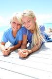 Niños rubios sonrientes Imagen de archivo