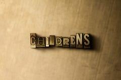 NIÑOS ' S - el primer del vintage sucio compuso tipo de palabra en el contexto del metal Imagen de archivo