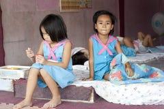 Niños tailandeses en el jardín de la infancia Imagen de archivo libre de regalías