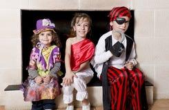 Niños vestidos como piratas Fotos de archivo