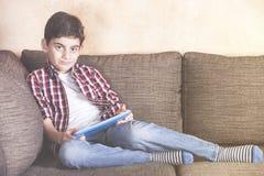 Niños y concepto de la tecnología Imagen de archivo libre de regalías