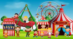 Niños y diversión el tener en parque de atracciones libre illustration