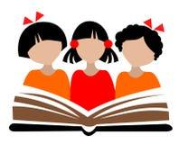 Niños y libro Imagen de archivo libre de regalías