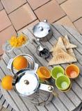 Śniadanie na tarasie Zdjęcia Royalty Free