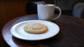 Śniadaniowa kawa z ciastkiem Zdjęcia Stock
