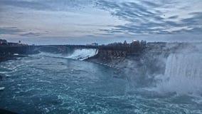 Niagara à 19h Photographie stock libre de droits