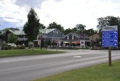 Niagara-auf-d-See, am 25. Juni: Im Stadtzentrum gelegene historische Häuser vom Niagara-auf-d-See in Ontario-Provinz Stockfotografie