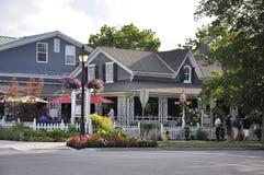 Niagara-auf-d-See, am 25. Juni: Im Stadtzentrum gelegene historische Häuser vom Niagara-auf-d-See in Ontario-Provinz Lizenzfreie Stockfotos