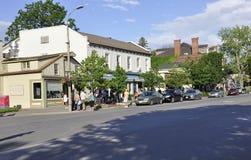Niagara-auf-d-See, am 25. Juni: Im Stadtzentrum gelegene historische Häuser vom Niagara-auf-d-See in Ontario-Provinz Stockfotos
