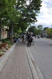 Niagara-auf-d-See, am 25. Juni: Im Stadtzentrum gelegene Stagecoaches für Touristen von Niagara auf dem See in Ontario-Provinz Stockbild