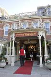 Niagara-auf-d-See, am 25. Juni: Im Stadtzentrum gelegener historischer Hoteleingang vom Niagara-auf-d-See in Ontario-Provinz Stockfotografie