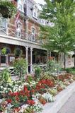 Niagara-auf-d-See, am 25. Juni: Im Stadtzentrum gelegenes historisches Hotel vom Niagara-auf-d-See in Ontario-Provinz Stockfotos