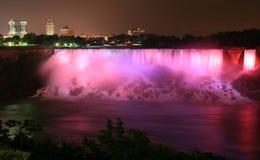 Niagara bis zum Nacht Stockfotos