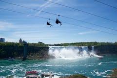 NIAGARA DALINGEN, ONTARIO, CANADA - MAG 20STE 2018: De mening van de Amerikaanse Dalingen is second-largest van de drie watervall royalty-vrije stock fotografie