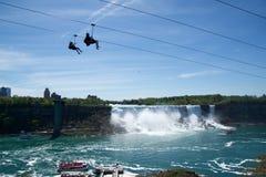 NIAGARA DALINGEN, ONTARIO, CANADA - MAG 20STE 2018: De mening van de Amerikaanse Dalingen is second-largest van de drie watervall stock foto's