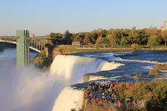 Niagara det åska vattnet Royaltyfri Bild