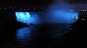 Niagara en la noche Fotos de archivo libres de regalías