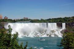 Niagara Falls - Amerikaanse Gecentreerde Dalingen Stock Afbeelding