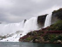 Niagara Falls amerikansk nedgångar och brud- skyler nedgångar Arkivfoto