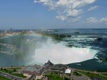 Niagara Falls con il Rainbow Immagini Stock