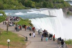 Niagara Falls dal lato americano Fotografie Stock Libere da Diritti